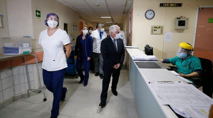 Ministerio de Salud recibe donación de más de 380 teléfonos para hospitales de la Región Metropolitana