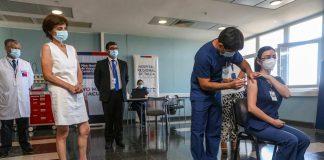 Comenzó histórica vacunación COVID-19 a personal de Salud en la Región del Maule