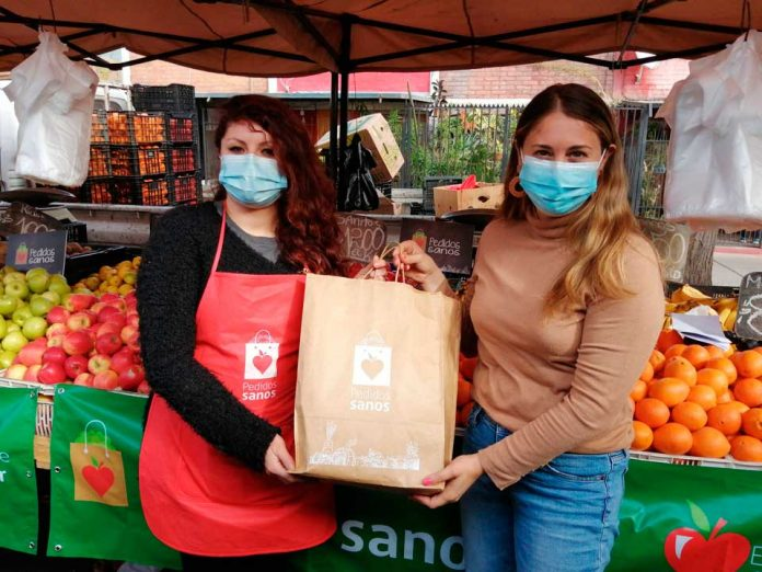Secretaria ejecutiva de Elige Vivir Sano visita Feria en La Pintana y entrega balance del primer mes de la aplicación Pedidos Sanos
