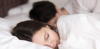 Día Mundial del Alzheimer: no dormir bien aumentaría riesgo de padecer demencia a futuro